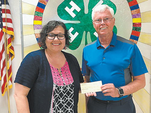RURITANS GIVE TO 4-H