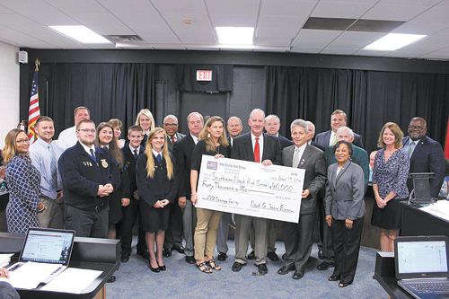 Farm Bureau donates $40,000 to fund SNHS Agriculture Facility