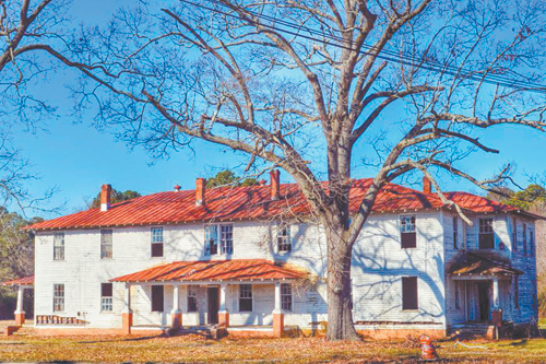 <i>Red Oak donates historic teacharage for preservation</i>